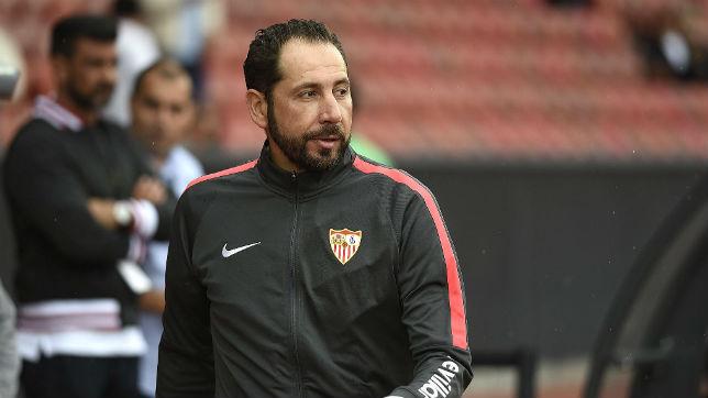 Pablo Machín, técnico del Sevilla, durante el amistoso ante el Benfica (SFC)