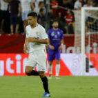 Jesús Navas celebra el gol anotado ante el Ujpest (Foto: J. M. Serrano)