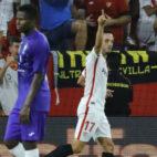 Sarabia celebra el gol anotado ante el Ujpest (Foto: J. M. Serrano)