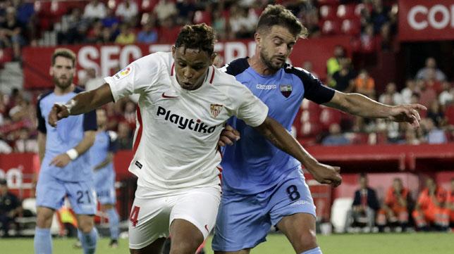 Luis Muriel, en el amistoso Sevilla-Extremadura (foto: Juan Flores)