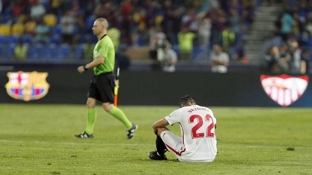 Franco Vázquez, al final del Sevilla-Barcelona de la Supercopa (foto: EFE//José Manuel Vidal)