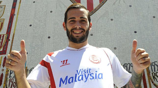 Aleix Vidal, el día de su presentación como jugador del Sevilla en 2014