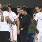 Amadou tuvo que retirarse por unas molestias en el isquiotibial derecho. Foto: Sevilla FC