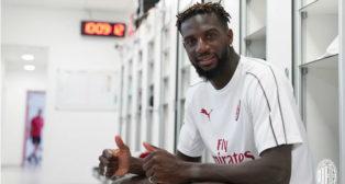 Tiémoué Bakayoko, presentado como nuevo jugador del Milan (ACM)