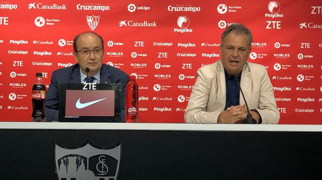 El presidente Castro y el director de fútbol Caparrós, en la presentación de Aleix Vidal (foto: SFC)
