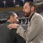 Ernesto Valverde y Pablo Machín se celebran antes del inicio de la Supercopa en Tánger (Foto: Reuters).
