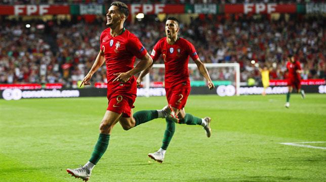 André Silva celebra su gol en el Portugal-Italia