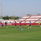 Los jugadores del Sevilla se ejercitan en la ciudad deportiva