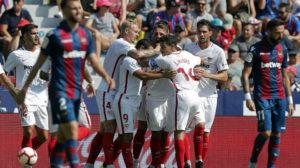 André Silva, Kjaer, Ben Yedder, Carriço, Franco Vázquez y Navas, en el Levante-Sevilla (EFE)