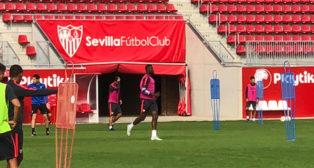 Amadou participó con el grupo en el entrenamiento del martes en la ciudad deportiva