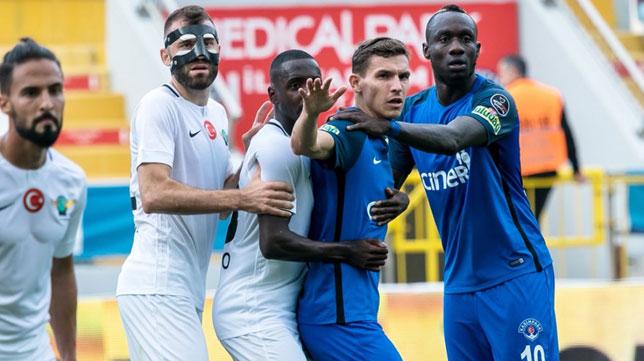 Imagen del Kasimpasa-Akhisar de la liga turca jugado el sábado (Foto: SFC)