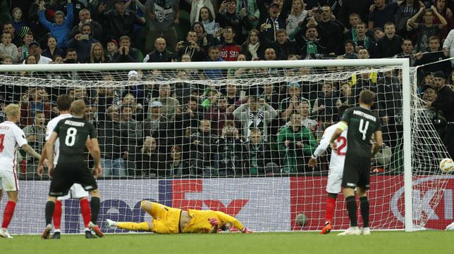 Momento en el Vaclik encaja uno de los goles del Krasnodar-Sevilla