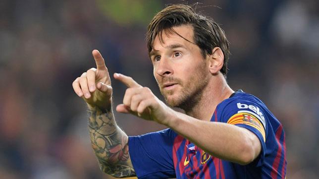 Leo Messi celebra el gol que le marcó al Sevilla (Foto: AFP)