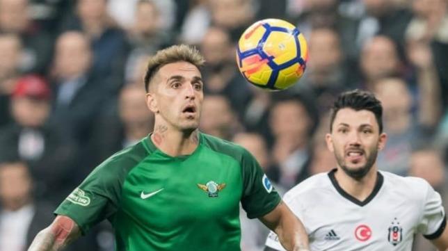 Miguel Lopes, en un partido con el Akhisarspor
