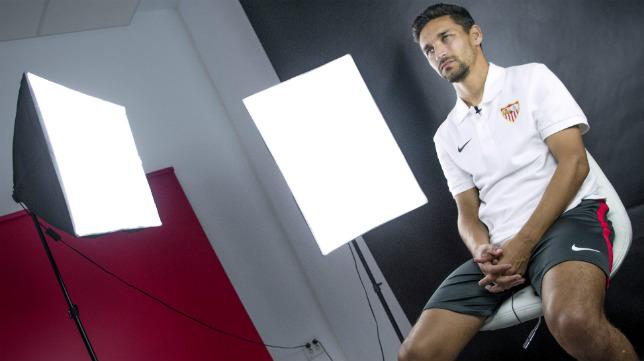 Jesús Navas, durante la entrevista con ABC de Sevilla (Foto: Juan José Úbeda)