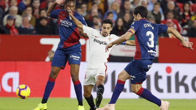 Navas, en un lance del Sevilla-Huesca (EFE)