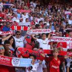La afición del Sevilla, en el partido contra el Celta (J. M. Serrano)