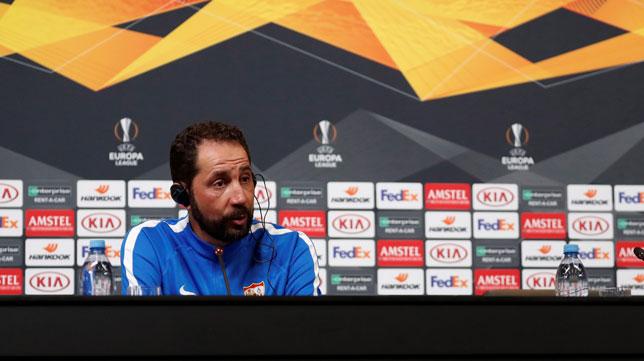 Machín, en una rueda de prensa del Sevilla (EFE)