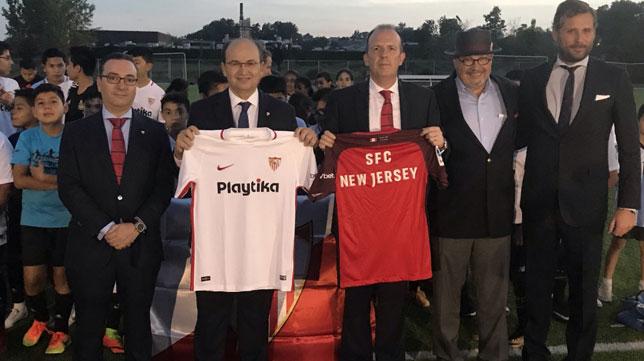 El presidente del Sevilla inauguró la SFC Soccer Academy de Newark