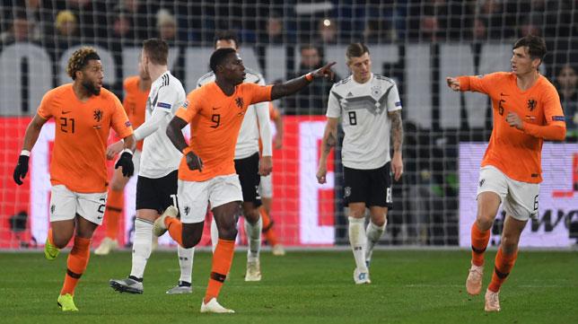 Promes celebra su gol ante Alemania