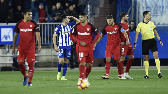 Jony celebra su gol en el Alavés-Sevilla (J. M. Serrano Arce)