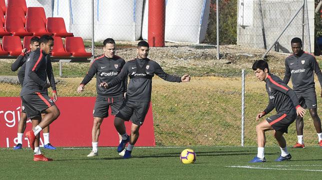 Entrenamiento del Sevilla de este miércoles en la ciudad deportiva (SFC)
