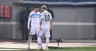 Luis Alberto y Correa celebran un gol de la Lazio