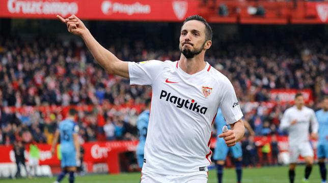 Sarabia celebra su gol ante el Girona (J. M. Serrano)