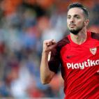 Sarabia celebra su gol en el Valencia-Sevilla (EFE)