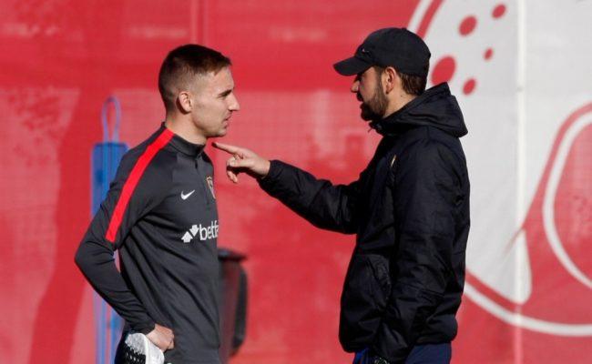 Machín habla con Rog (Manu Gómez)