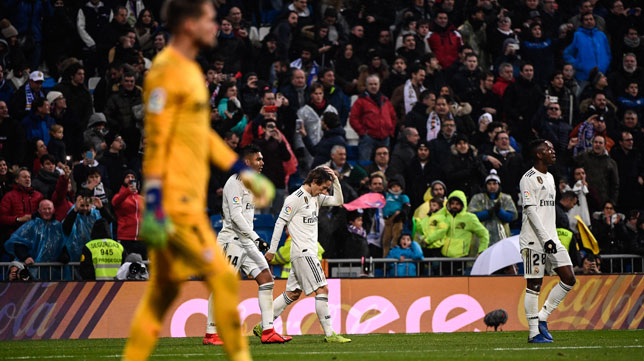 Los jugadores del Real Madrid celebran uno de los goles ante el Sevilla FC (Óscar del Pozo)