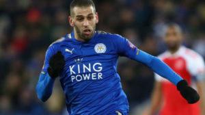 Islam Slimani, en un partido con el Leicester