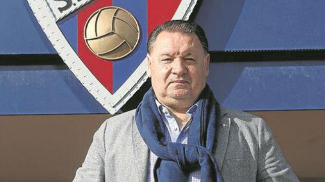 Agustín Lasaosa es el presidente del Huesca