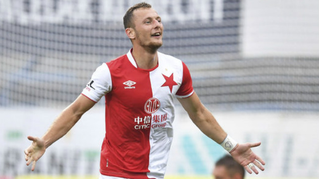 Vladimír Coufal celebra un gol con el Slavia de Praga