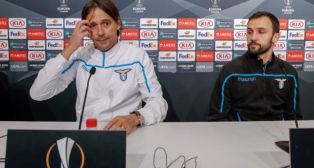 Inzaghi y Badelj, antes del Sevilla-Lazio (EFE)