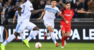 Navas trata de frenar a Correa en el Lazio - Sevilla (EFE)