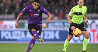 Muriel dispara para anotar de falta ante el Inter (Reuters)