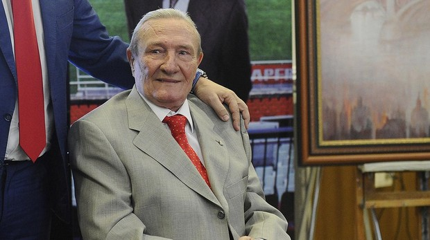 Roberto Alés, en un acto del Sevilla