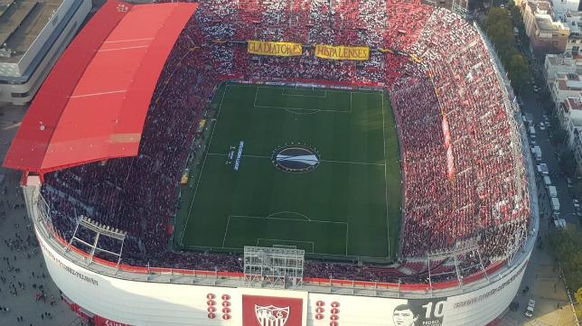 Imagen aérea del estadio Ramón Sánchez-Pizjuán (Foto: @SinCorteza)