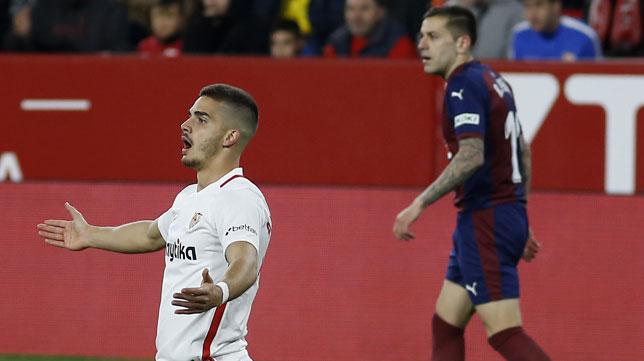 André Silva, durante el Sevilla-Eibar (Manu Gómez)
