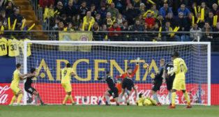 Acción del primer gol del Villarral ante el Sevilla FC. Foto: LaLiga