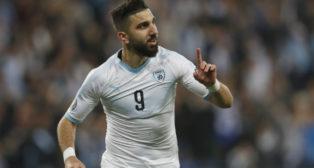 Dabbur celebra su gol en el Israel-Austria (4-2)