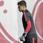 Lucho García, en un entrenamiento con el primer equipo del Sevilla (Foto: Juan Flores)