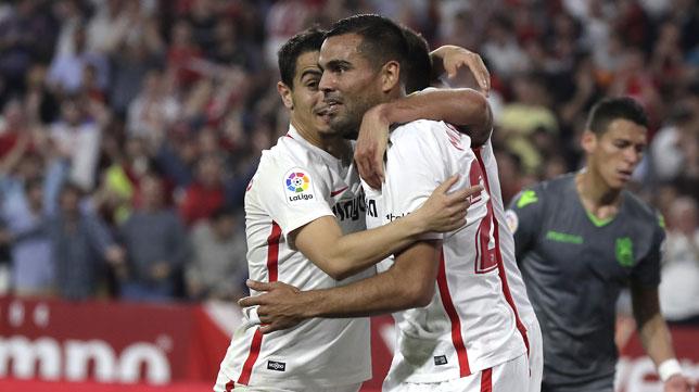 Ben Yedder y Mercado, en el Sevilla-Real Sociedad (J. M. Serrano)