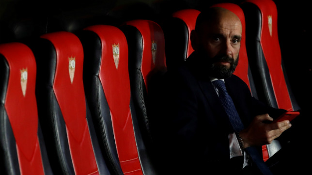 Monchi, en el banquillo del Sevilla durante el pasado Trofeo Antonio Puerta