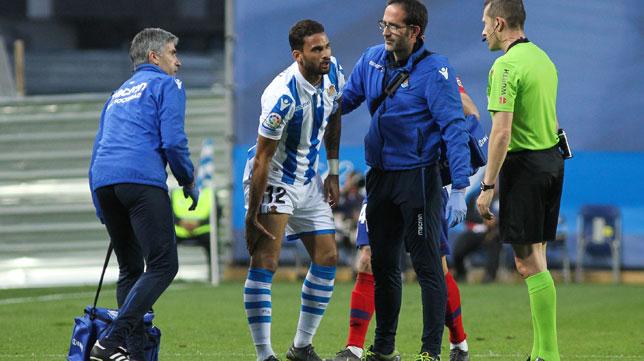 Willian José se retiró este domingo lesionado del Real Sociedad-Atlético