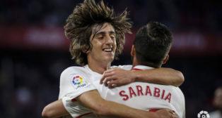 Bryan Gil celebra su primer gol oficial con Pablo Sarabia (Foto: LaLiga)