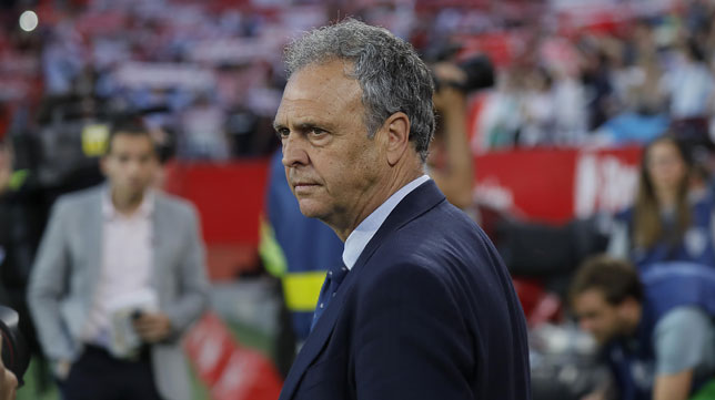 Joaquín Caparrós, antes del Sevilla-Betis (Raúl Doblado)