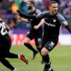 Mercado y Roque Mesa, tras el gol del canario al Valladolid