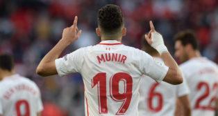 Munir celebra uno de sus goles en el Sevilla-Rayo (EFE)